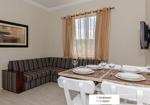 13_Margate_Beach_Club__1_bedroom_2_sleeper_unit_t33_lounge