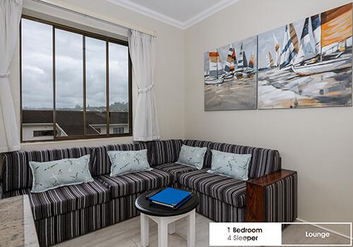 17_Margate_Beach_Club_1_bedroom_4_sleeper_UnitT35_lounge