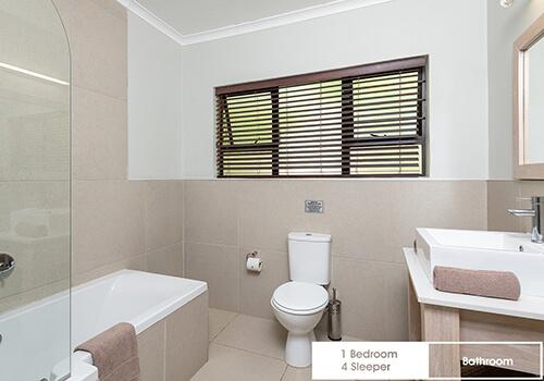18_FalconGlen---1-Bedroom---4-Sleeper---Bathroom-(3)