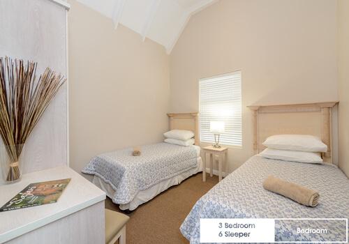 19_royal_wharf_3_bedroom_6_sleeper_unit_17_bedroom_1