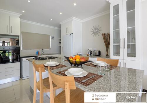 19_sunshine_bay_2_bedroom_6_sleeper_unit_18_kitchen