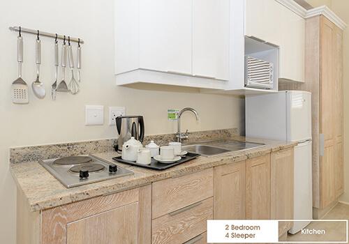 20_Margate_Beach_Club_2_bedroom_4_sleeper_unit03_kitchen