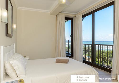 22_Margate_Beach_Club_2_bedroom_4_sleeper_unit_u25_main_bedroom