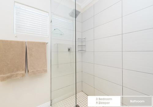 22_royal_wharf_3_bedroom_6_sleeper_unit_17_bathroom_2