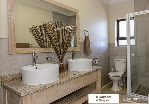 24_Margate_Beach_Club_2_bedroom_4_sleeper_unit_u25_bathroom
