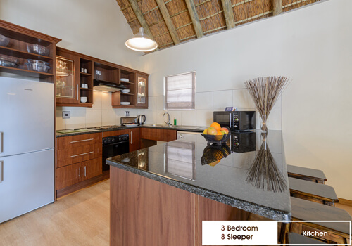 25_royal_wharf_3_bedroom_8_sleeper_unit_9_kitchen
