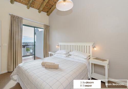 27_royal_wharf_3_bedroom_8_sleeper_unit_9_main-bedroom