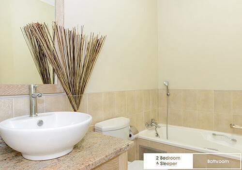 30_Margate_Beach_Club_2_bedroom_6_sleeper_unit_y08_bathroom