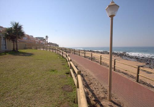 4_boulderbay_exterior_beach_walkway