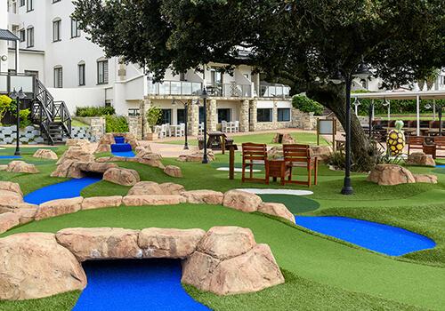 6_Margate_Beach_Club_putt_n_play