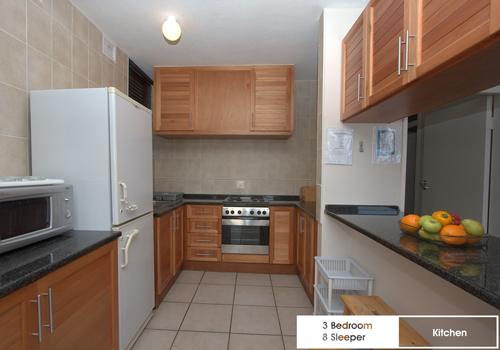 boulderbay_3_bedroom_8_sleeper_kitchen