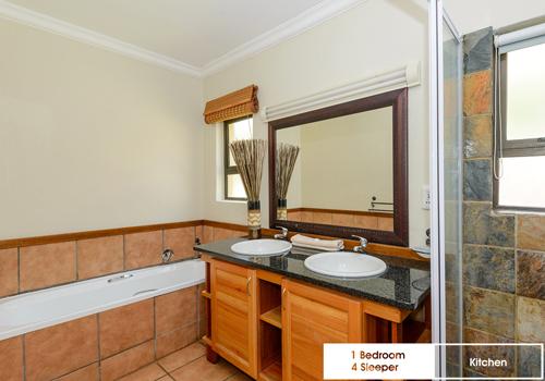 kiara_lodge_1_bedroom_4_sleeper_unit_47b_bathroom