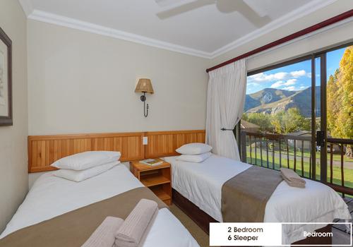 kiara_lodge_2_bedroom_6_sleeper_unit_11c_bedroom