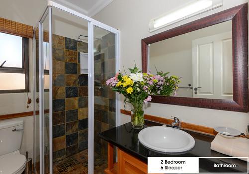 kiara_lodge_2_bedroom_6_sleeper_unit_7c_bathroom