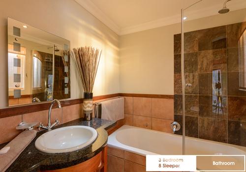 kiara_lodge_3_bedroom_8_sleeper_unit_41d_bathroom
