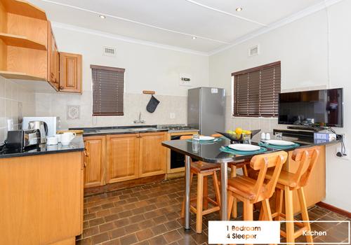 qunu_falls_1_bedroom_4_sleeper_unit_j18_kitchen