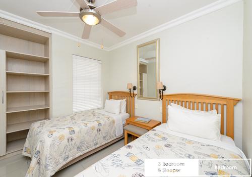 sunshine_bay_3_bedroom_8_sleeper_unit_8_bedroom_1