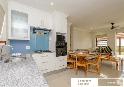 sunshine_bay_3_bedroom_8_sleeper_unit_8_kitchen